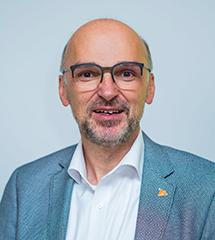 """Portraitbild vom Experten """"Raimund Josef Hirzer"""""""